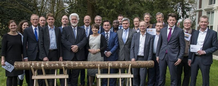 Making €15 billion count to conserve tropical forests - Tropenbos International signs a major national agreement to promote sustainable forest management